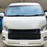 自動車ガラス交換、トヨタ   ハイエース   フロントガラス交換(コートテクト)施工で入庫。