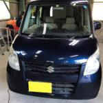 自動車ガラス交換、スズキ パレット フロントガラス交換(輸入ガラス)施工で入庫。