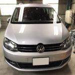 自動車ガラス交換、VW シャラン フロントガラス交換(輸入ガラス)施工で入庫。