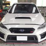 自動車ガラス交換、スバル WRX フロントガラス交換(純正ガラス)施工で入庫。