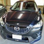 自動車ガラス交換、マツダ CX-5 フロントガラス交換(輸入ガラス)施工で入庫。